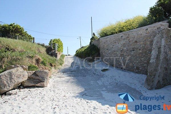 Chemin d'accès à Porz Gwen - Ploudalmézeau