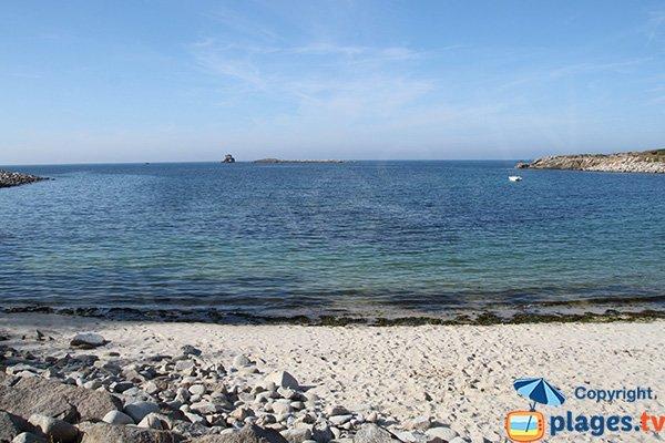 Crique confidentielle sur l'ile Grande de Pleumeur Bodou - Porz Gwenn