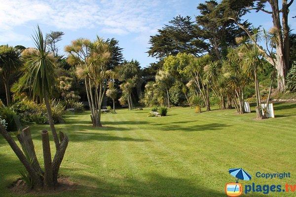 jardin Georges Delaselle à côté de la plage du centre nautique - Batz