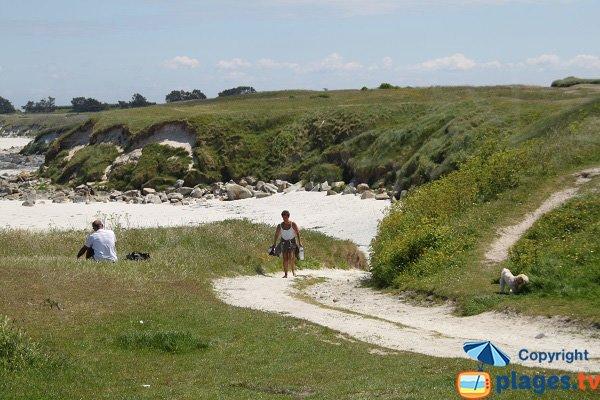 Dunes sur la plage de Porz Melloc de l'ile de Batz