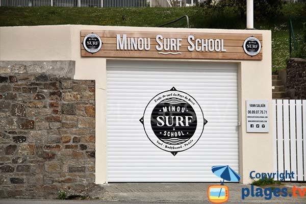 Club de surf sur la plage de Porz Milin à Locmaria-Plouzané
