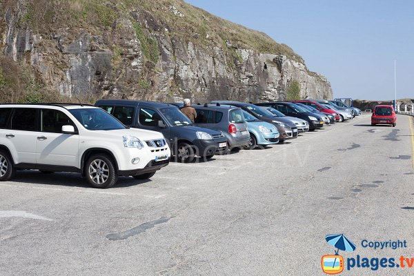 Parking of Potinière beach in Carteret