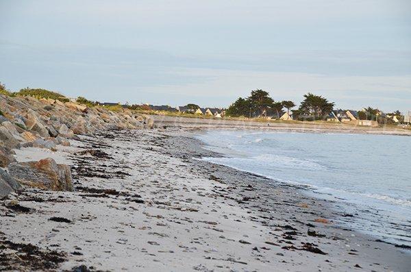 Photo de la partie centrale de la plage du Poul à St Gildas en Bretagne