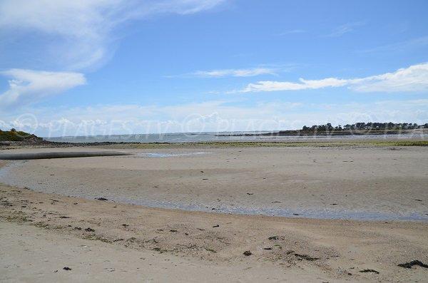 Vue sur la pointe de Carnac depuis la plage du Poulbert
