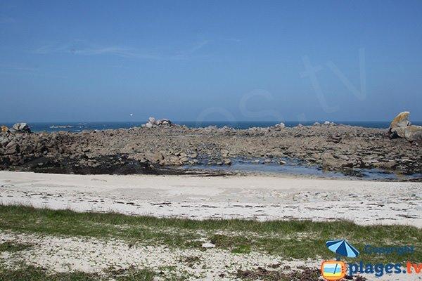 Rochers autour de la plage de Poulennou - Cléder