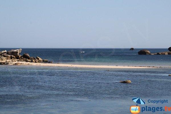 Banc de sable sur la plage de Poulfoën à Plouescat