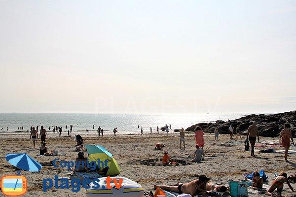 Baignade sur la plage de Poulgor - St Gildas de Rhuys