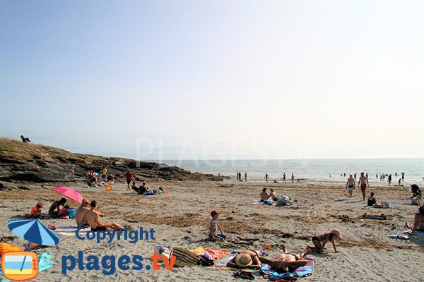 Pointe rocheuse au niveau de la plage de Poulgor - St Gildas de Rhuys