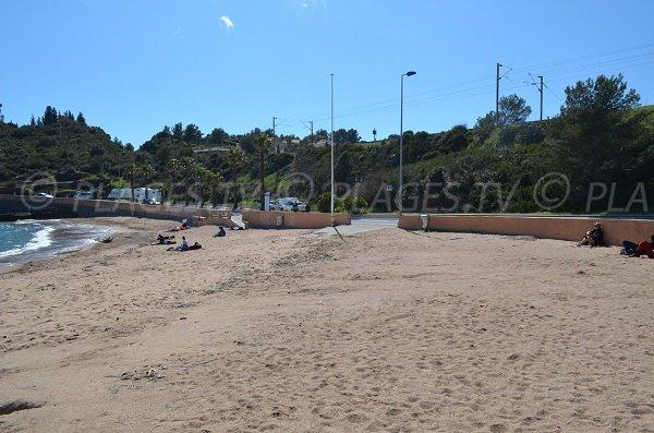 Accès à la plage du Pourrousset à Agay