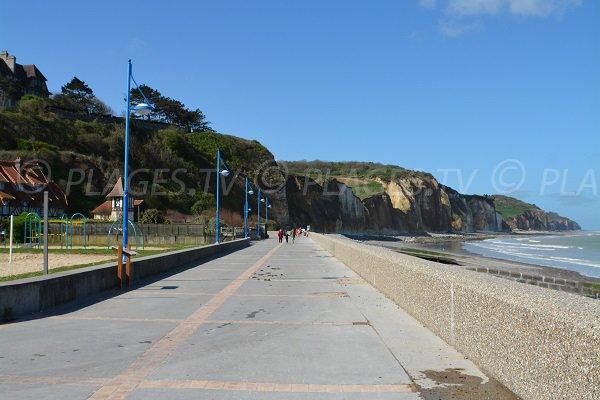Promenade le long de la plage de Pourville