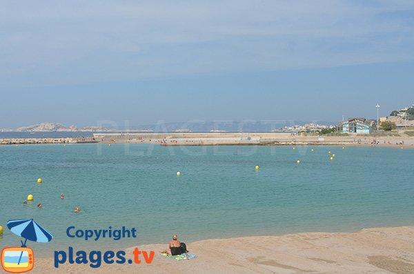 Brises lames sur la plage du Prado Nord - Marseille