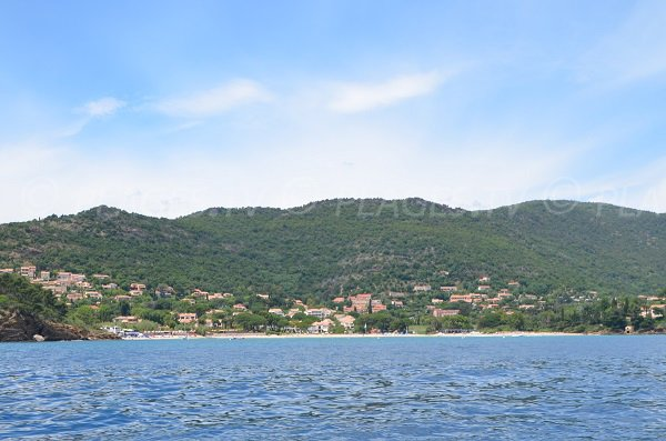 Pramousquier beach in Lavandou - view from the sea