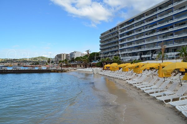 Private beach in the center of Juan les Pins