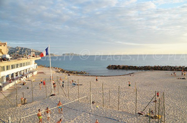 Volleyball on the Prophete beach - Marseille