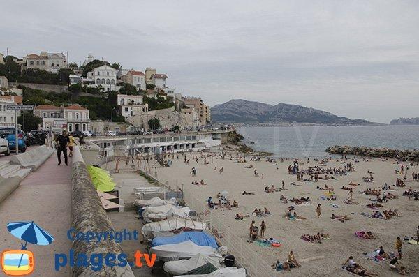 Bateaux sur la plage du Prophètes - Marseille
