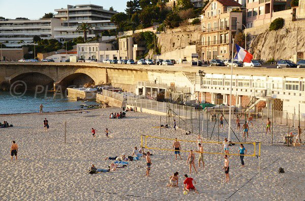 Beach Volley sur la plage du Prophète de Marseille