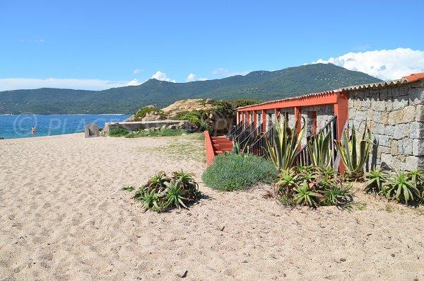 Extrémité de la plage du Puraja de Propriano