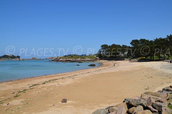Plage de Quo Vadis à côté de la plage de Tourony à Trégastel