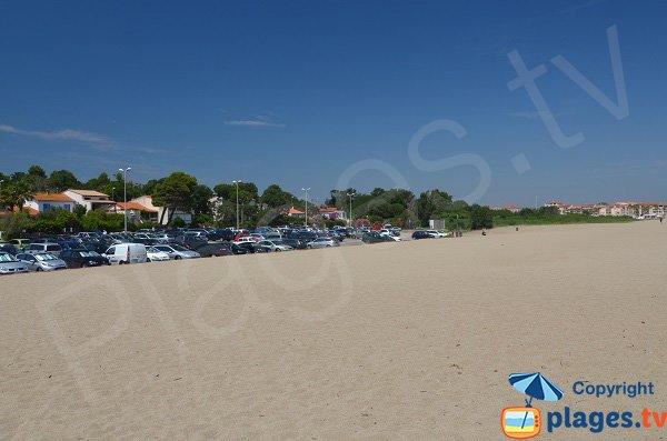 Parking de la plage du Racou