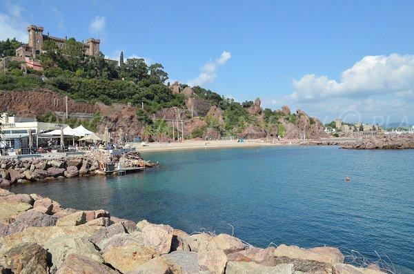 Rague beach with castle - Mandelieu La Napoule
