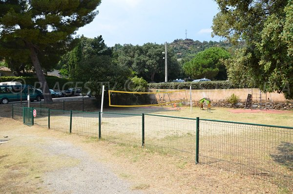 Volleyball court nearly Rayol beach