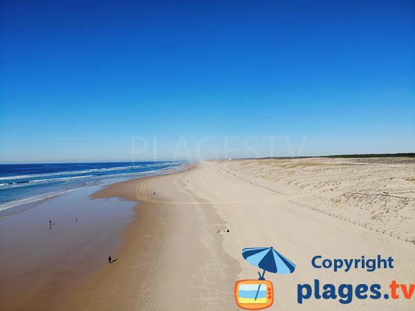 Grande plage sauvage au nord de Mimizan