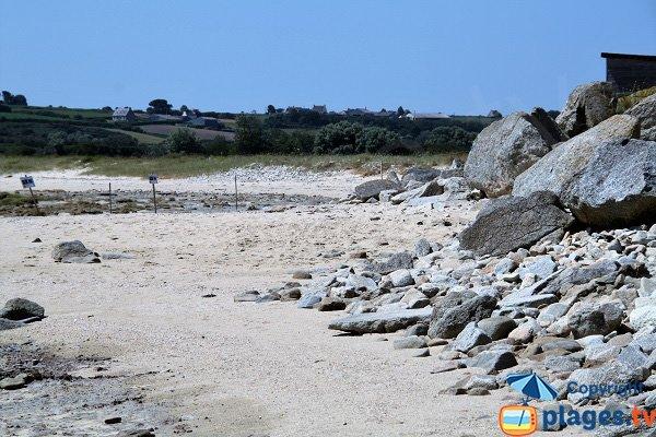 remblais  sur la plage de Reor ar Mor - Plounéour-Trez