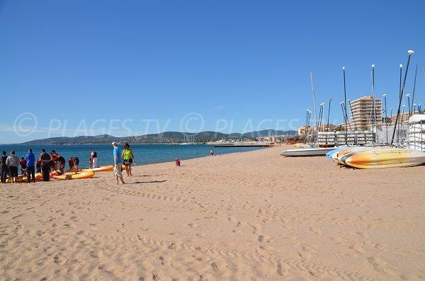 Republic beach in Fréjus with nautical center