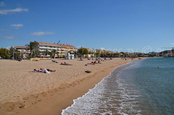 Photo de la plage dans le centre de Fréjus - Var