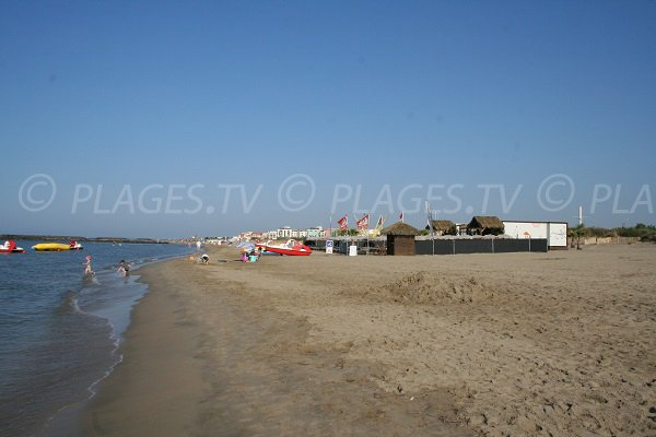 Aquatic activies on the Richelieu beach in Cape d'Agde