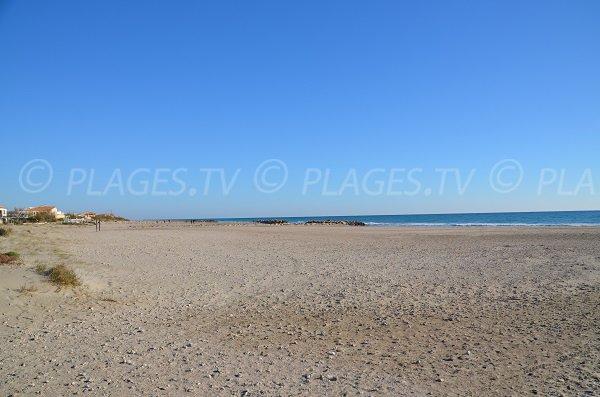 Plage de la rive est de Frontignan - Port de Plaisance
