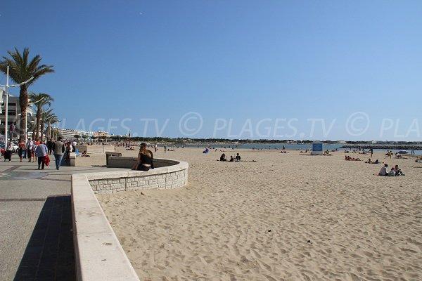Spiaggia della riva sinistra del Grau du Roi - Seaquarium
