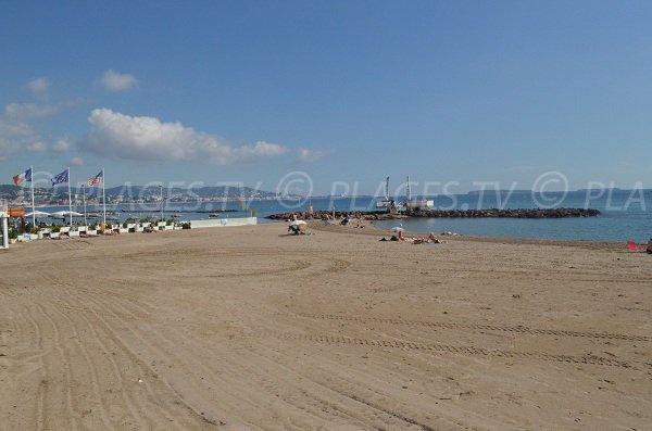 Sand beach in Mandelieu - Robinson