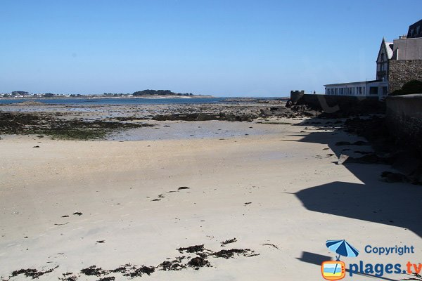 Beach of  thalassotherapy of Roscoff