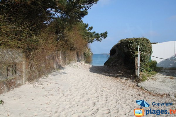 Access to St Jean beach - Santec