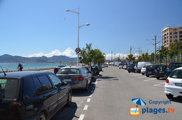 Parking of Rochers beach in La Bocca