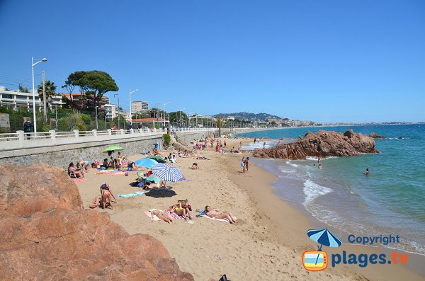 Photo of Rochers beach in Cannes la Bocca in France