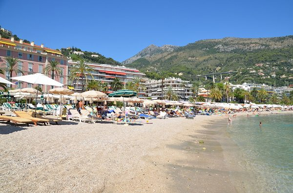 Private beaches and restaurants in Menton (Rondelli)