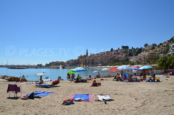 Photo of the Rondelli beach in Menton in summer