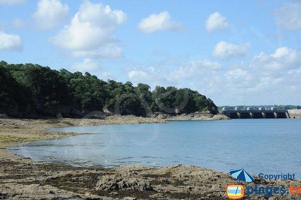 Barrage de la Rance depuis la plage du Rosais