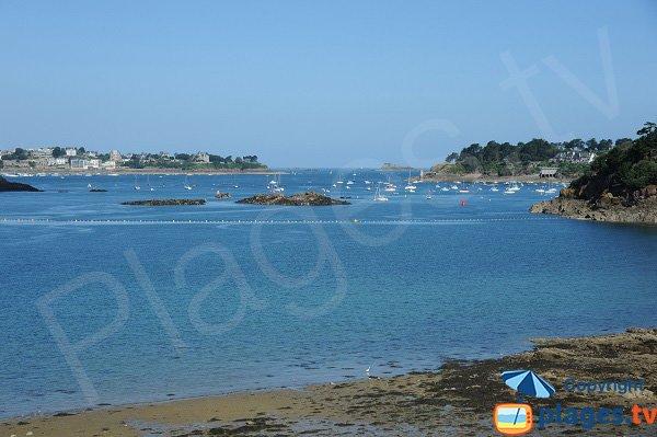 Baie de Saint Malo et de Dinard depuis la plage du Rosais
