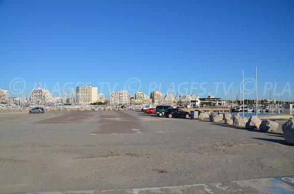 Parcheggio gratuito per la spiaggia vicino al porto di La Grande Motte