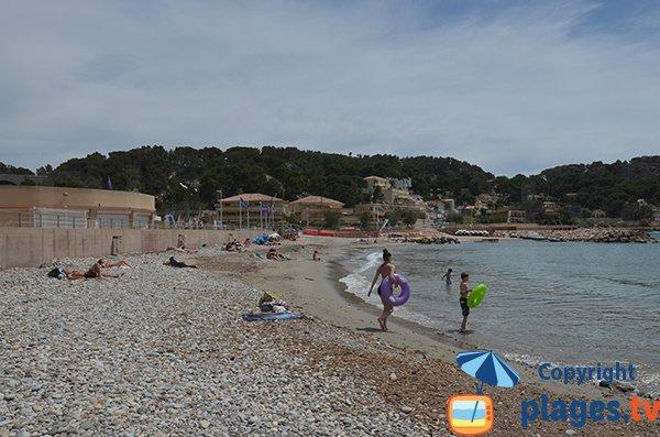 Photo de la plage principale de Carry le Rouet