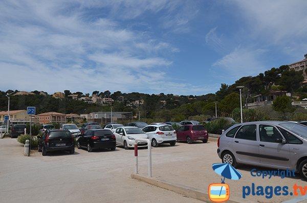 Parking de la plage de Carry le Rouet
