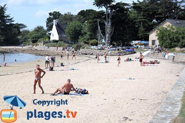 Cale sur la plage du Rudevent sur l'ile d'Arz