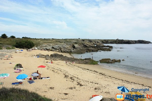 Sabias beach and view on the Castle - Ile d'Yeu