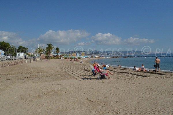 Spiaggia della Sable d'Or in Mandelieu in Francia