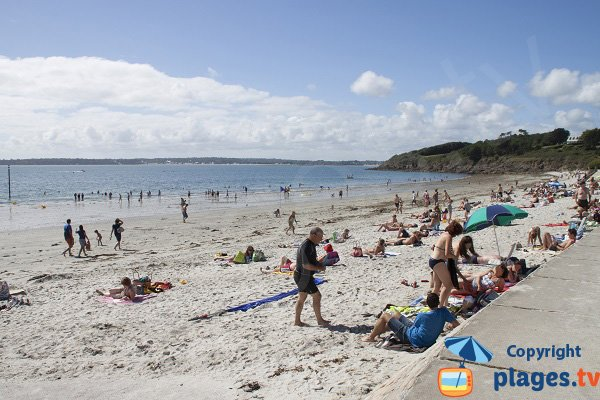 Sables Blancs beach in Concarneau in France