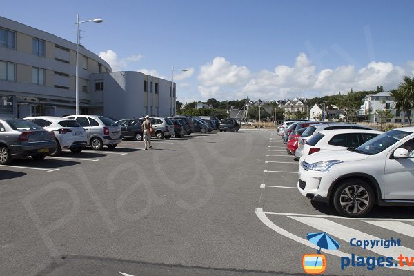 Car park of Sables Blancs beach - Concarneau