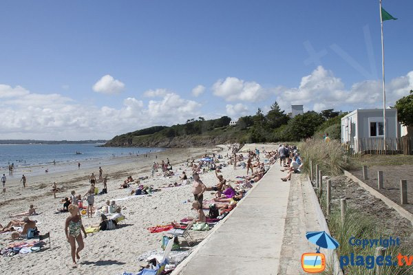 Photo of Sables Blancs beach in Concarneau in France